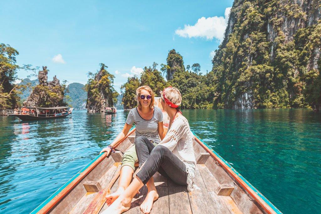 Cheow lan lake tour, khao sok lake, Khao Sok National Park on a budget, how to get to khao sok national park, khao sok on a budget, khao sok national park things to do, khao sok national park day tour, khao sok national park independently, khao sok national park thailand, cheow lan lake, cheow lan lake day trip, lime stone mountains, thailand, lesbian couple, lesbian travel, lgbt travel