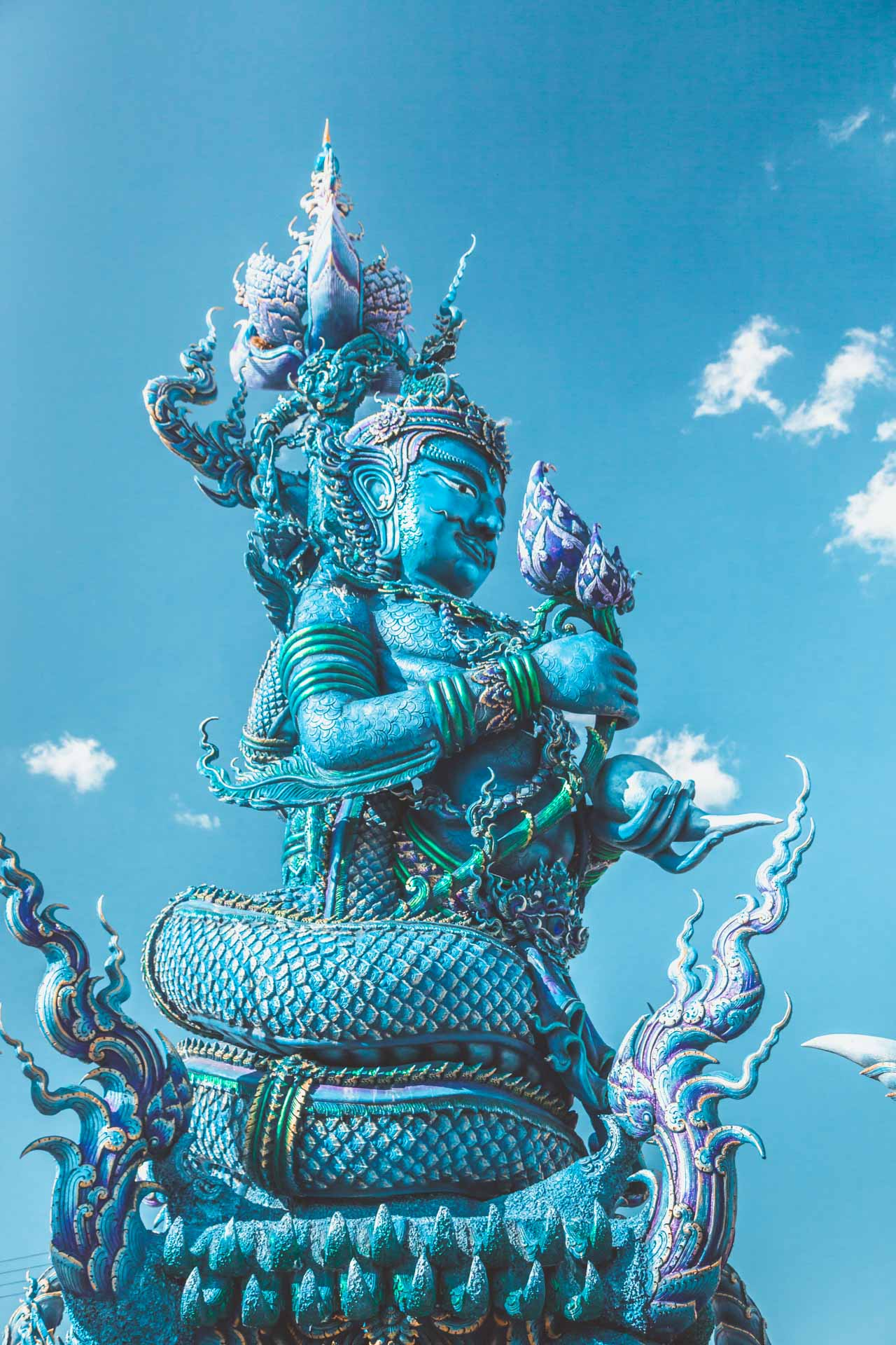 Wat Rong Seur Ten, Blue Temple, Chiang Rai, Thailand