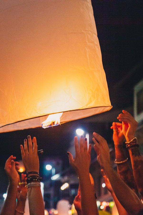 Lantern release, Nawarat Bridge Chiang Mai