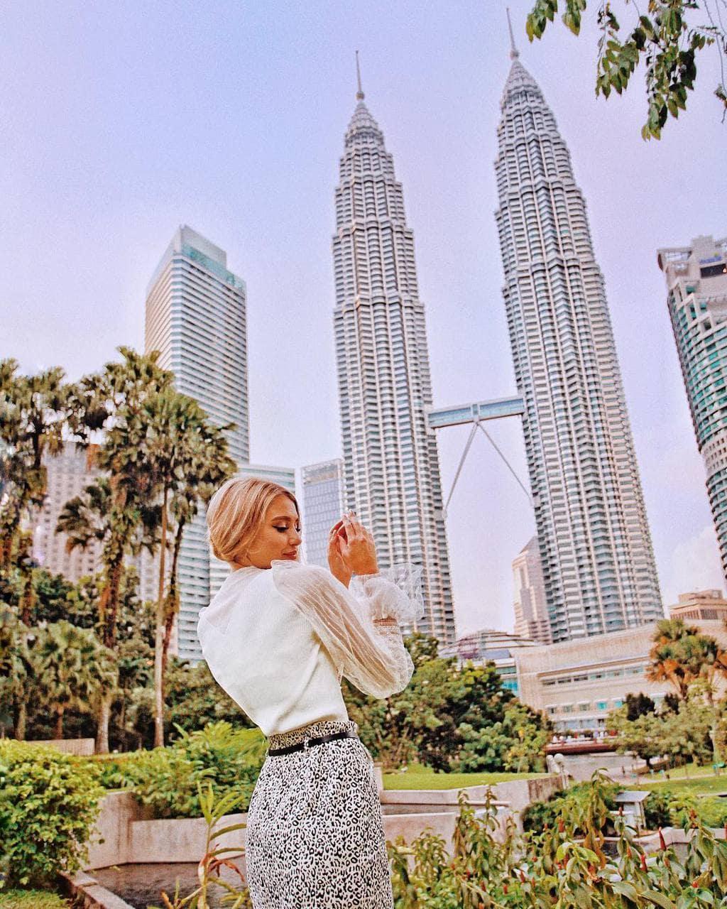 Petronas Twin Towers, Kuala Lumpur by @helengorkava