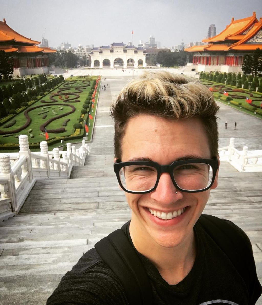 Gay Taiwan travel influencer Vinny V-Squared in Taipei
