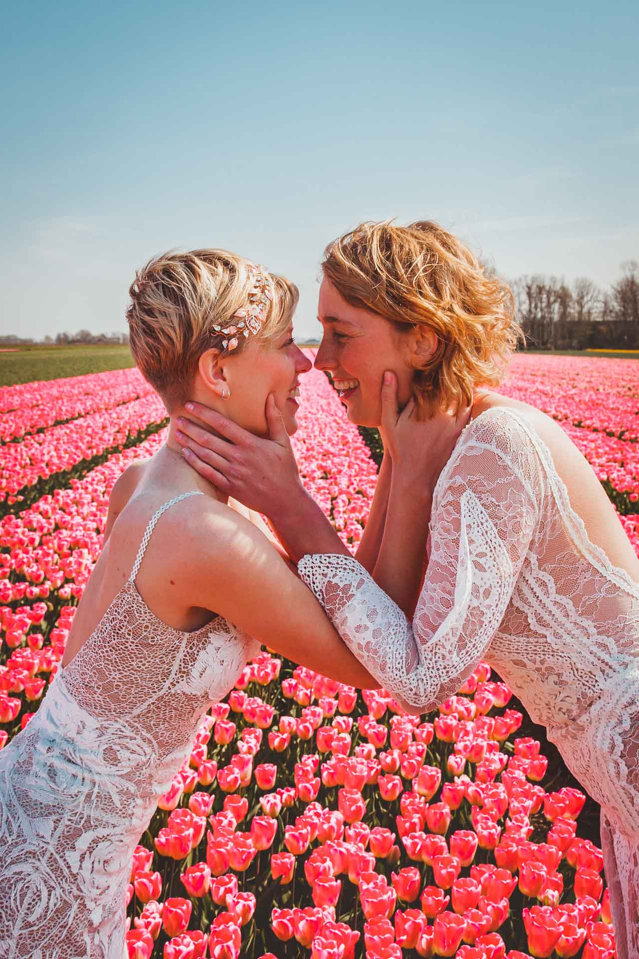 Tulip Fields, Tulpenvelden, Lesbian Wedding, kiss, Netherlands