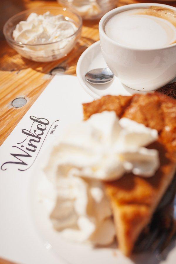 Amsterdam, Dutch apple pie, Winkel 43