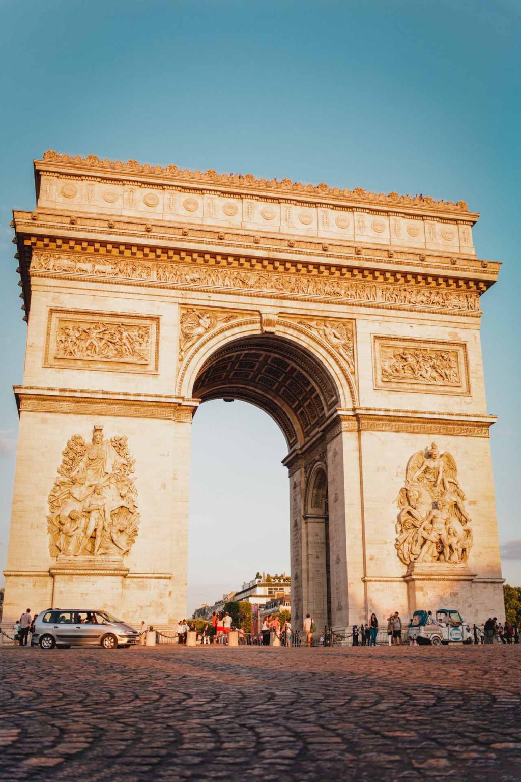 Arc de Triomphe de l'Etoile sunset photography