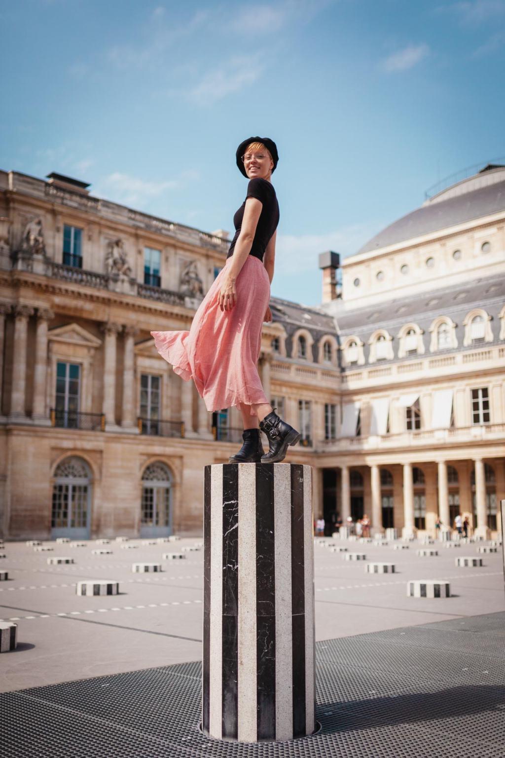 Colonnes de Buren, Les Deux Plateaux, Palais Royal, Paris