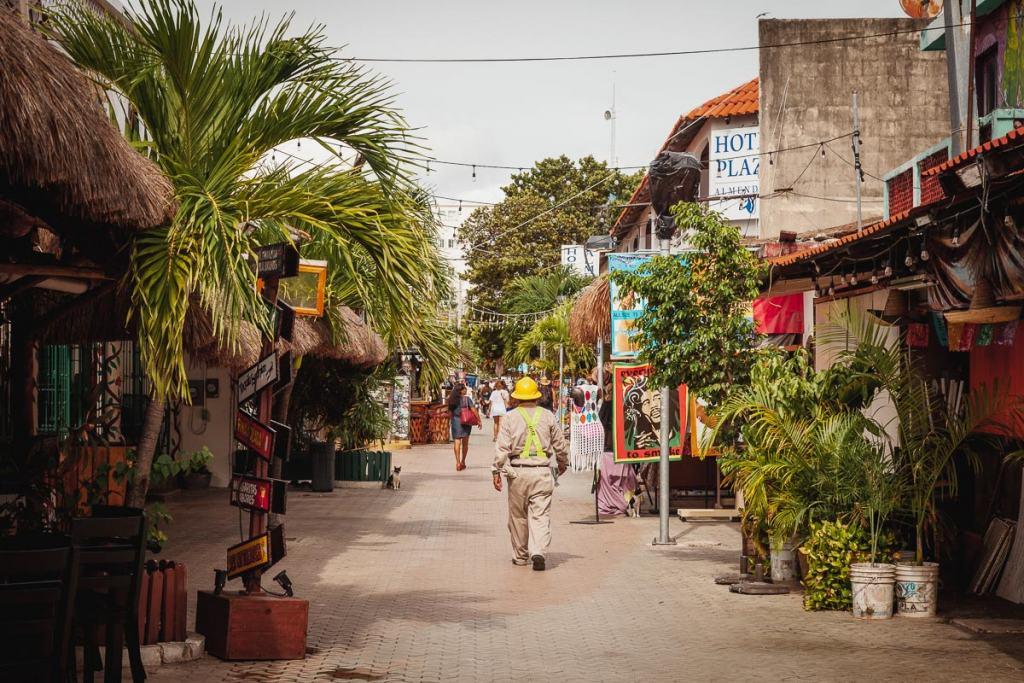 Avenida Miguel Hidalgo Isla Mujeres pedestrian street, Cancun, Mexico