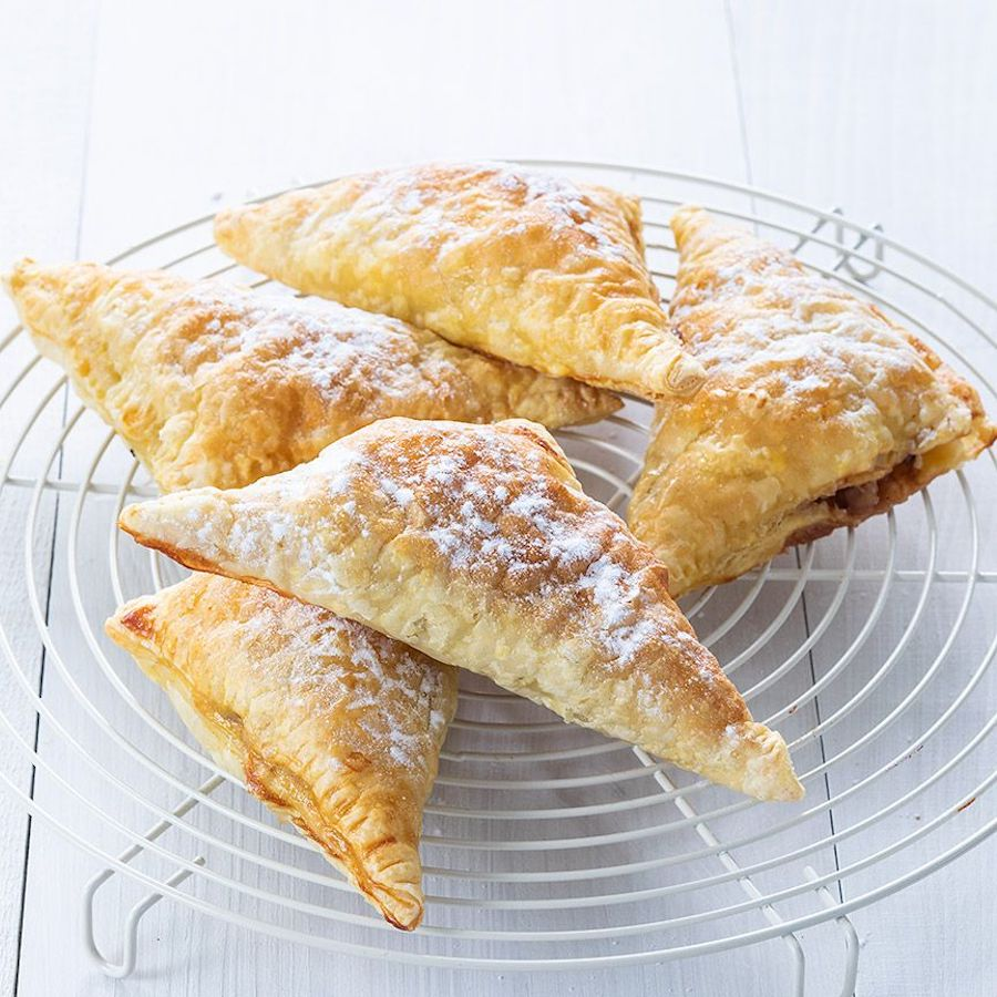 Appelflappen Apple turnovers Dutch food