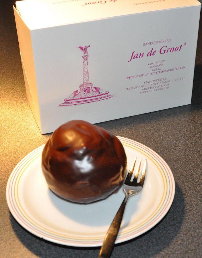 Bossche bol, Dutch delicacy, Chocolate pastry balls