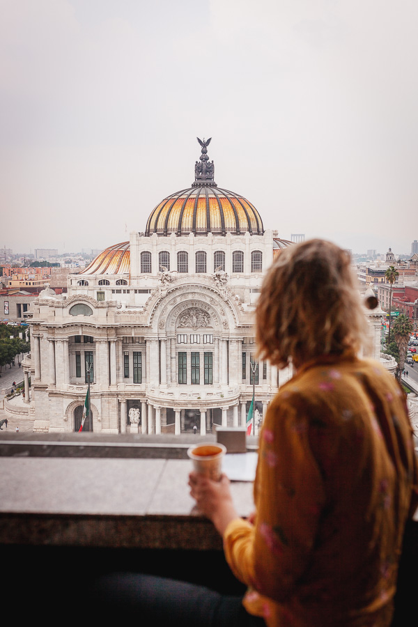 Palacio de Bellas Artes, lesbian in Mexico City