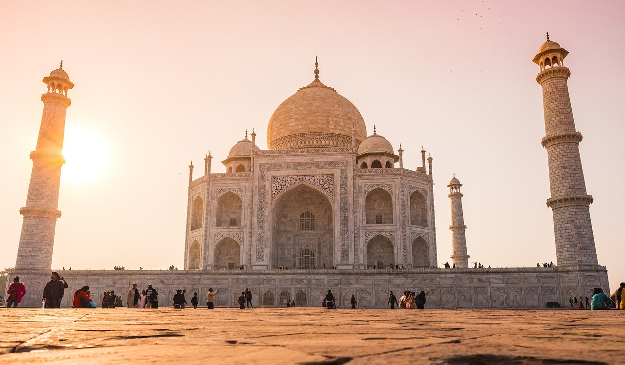 The Ultimate Travel Guide to Lesbian India