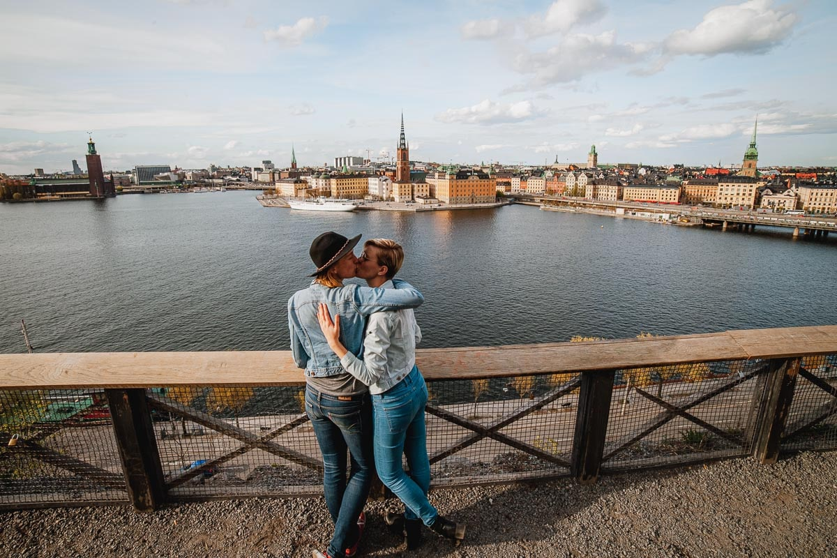 Monteliusvägen, Stockholm viewpoint Södermalm lesbian couple