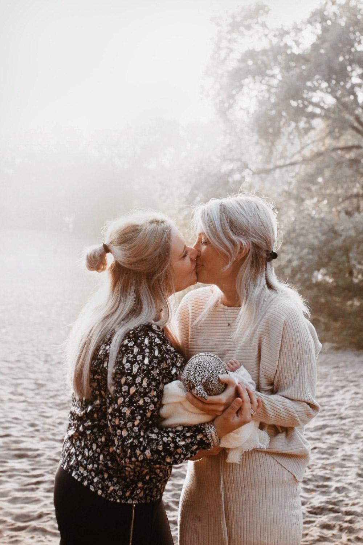 Linda en Naomi @huisjemetgeluk lesbische moeder