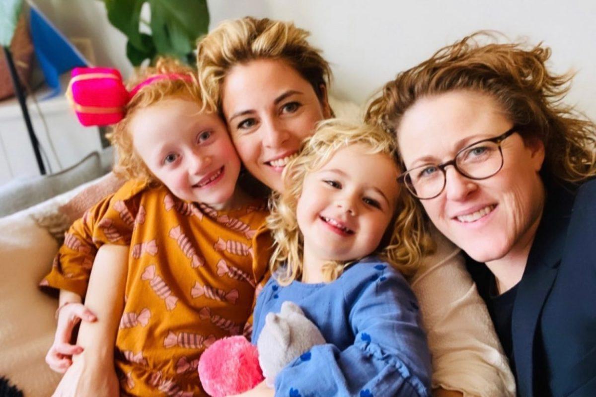 Mirella en Claudia @mirellavanmarkus lesbische moeders