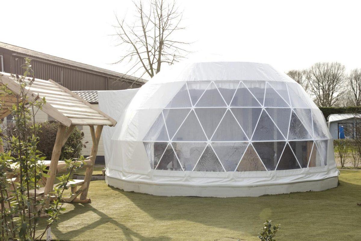 Overnachten in een iglo tent costa kabrita huijbergen