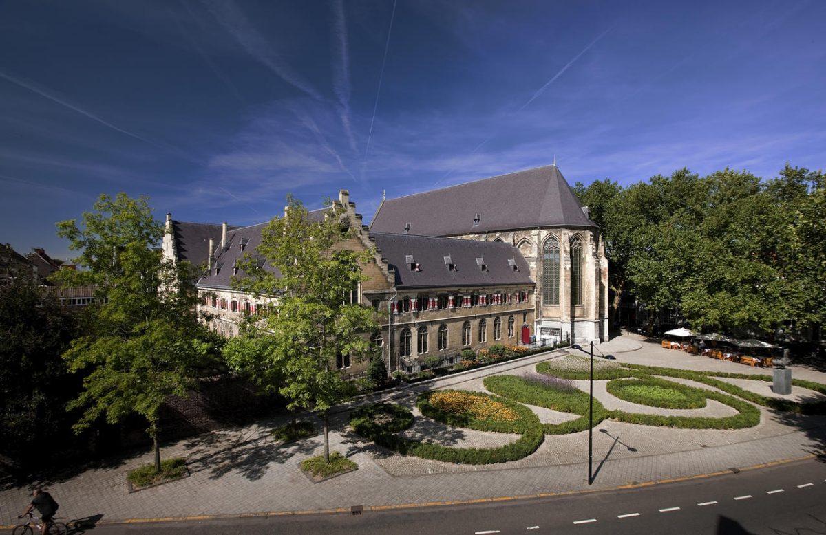 overnachten klooster Kruisherenhotel Maastricht