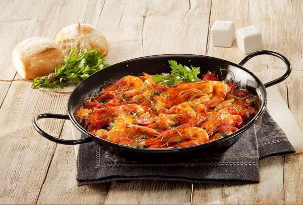 Garides Saganaki greek prawns in tomato sauce