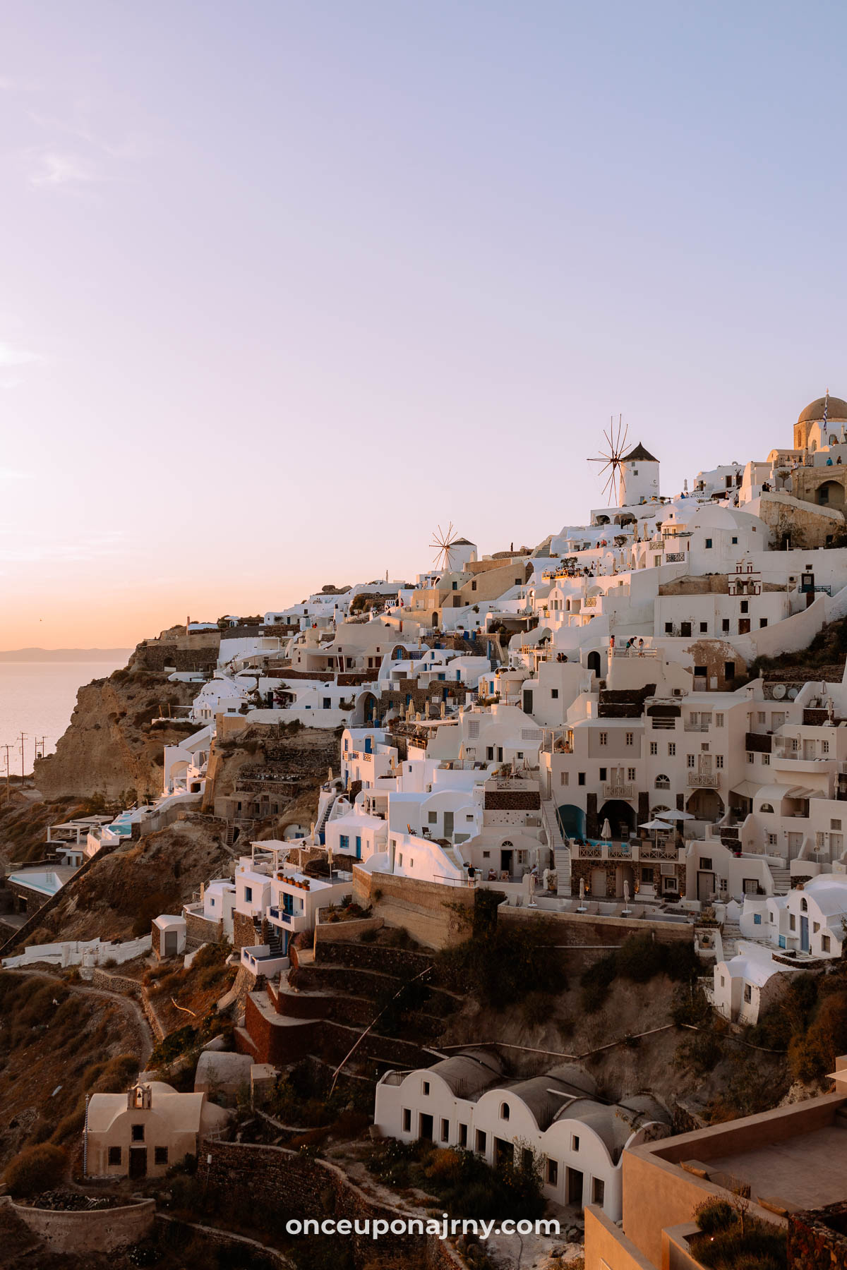 Sunset Oia 3 days in Santorini best things to do