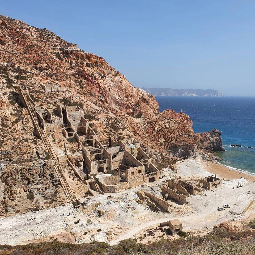 Thiorichia beach Paliorema beach sulfur Milos by @fedstophe